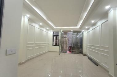 Bán nhà đường Cổ Linh, Long Biên 41m2x5 tầng, 2.7 tỷ - Nhà đẹp, xem là mê