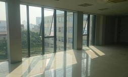 Cho thuê mặt bằng kinh doanh, văn phòng đẹp tại 71 Chùa Láng, Đống Đa, Hà Nội