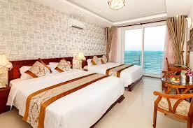 Cho thuê khách sạn 48 phòng, đường Phan Văn Trị. Khu cách biển 100m.